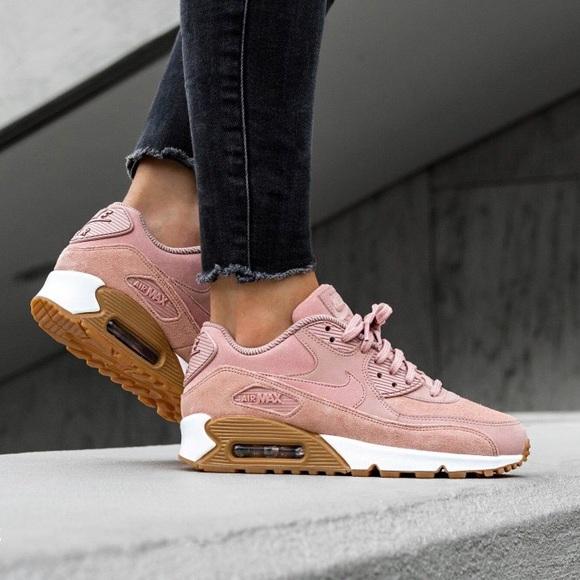 Nike Pink Suede Air Max 90 SE Sneakers NWT